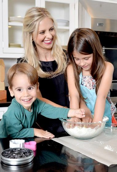 "Sarah Michelle Gellar says her cooking venture has made her ""more brave"""